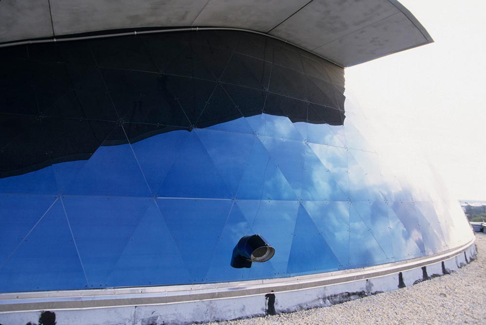 MUSEUM OF SCIENCE AND INDUSTRY – USA – MIROIR BLEU FINISH