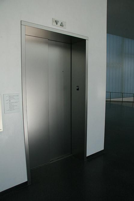 ascenseurs nouveaux habillages en inox solutinox. Black Bedroom Furniture Sets. Home Design Ideas